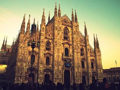 Hola! Estrellas del Mediterráneo desde Milán