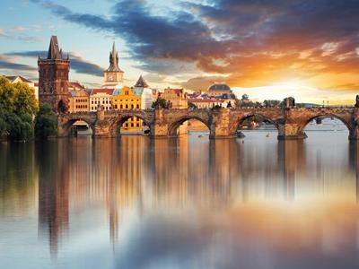 Hola! Rumbo París, Viena y Budapest