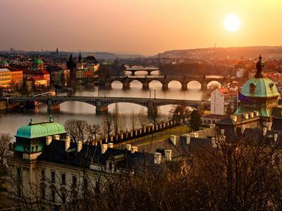 Hola! Elemental 1,2,3... Praga, Viena, Budapest
