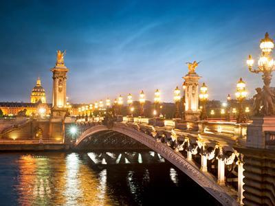 Hola! Estrellas de París con la Península Ibérica