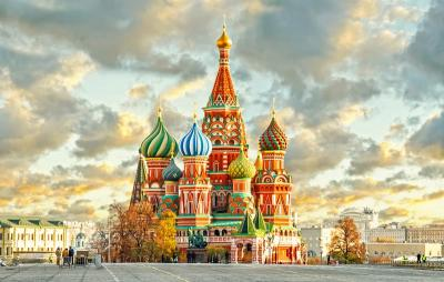 Hola! Primavera en Dubai y Rusia